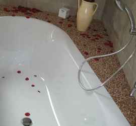 Badsanierung_Fliesenbeschic